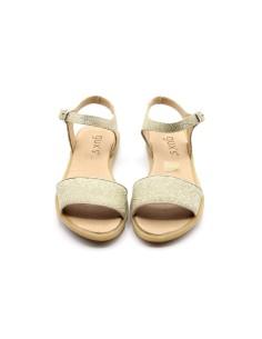 Sandalia niña básica arena bordada en dorada frente